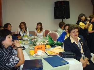 Mesas de trabajo de las Damas Rotarias
