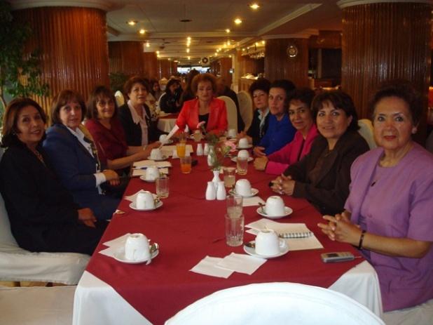 Comité de Damas de RC San Pedro con la esposa del Gobernador