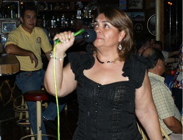 Karaoke Medalla de Bronce para RC Grigota Olga de Aguilera