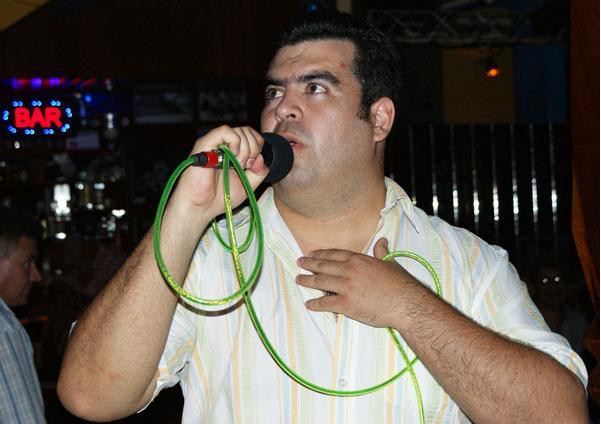 Karaoke Medalla de Plata para Rotaract Montero Juan Carlos Parada