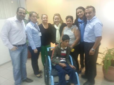 201308 silla ruedas a Jesus